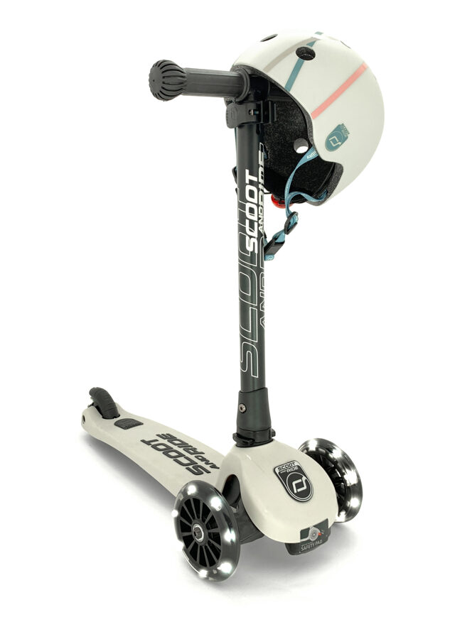 Scoot and Ride Highwaykick 3 LED Ash