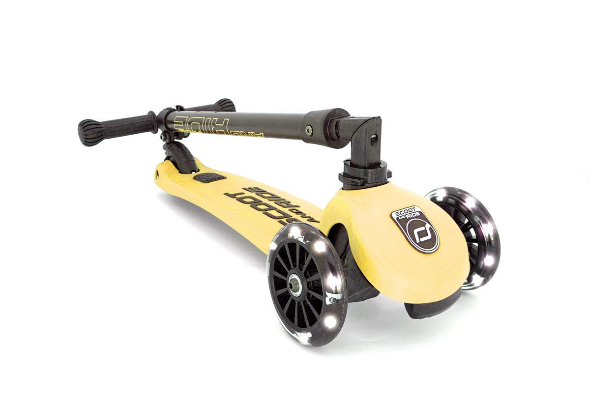 Scoot and Ride Highwaykick 3 LED Lemon