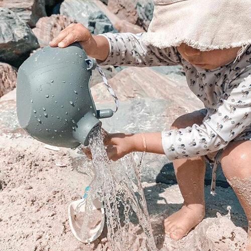 Scrunch watering can - light dusty green 110037